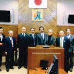 南九州市議場にて建設経済委員会メンバー